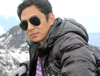 Dr. Daniel Tuladhar